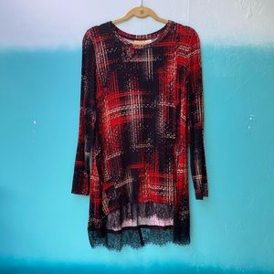 LOGO Red and Black Printed Knit Top w Lace Trim